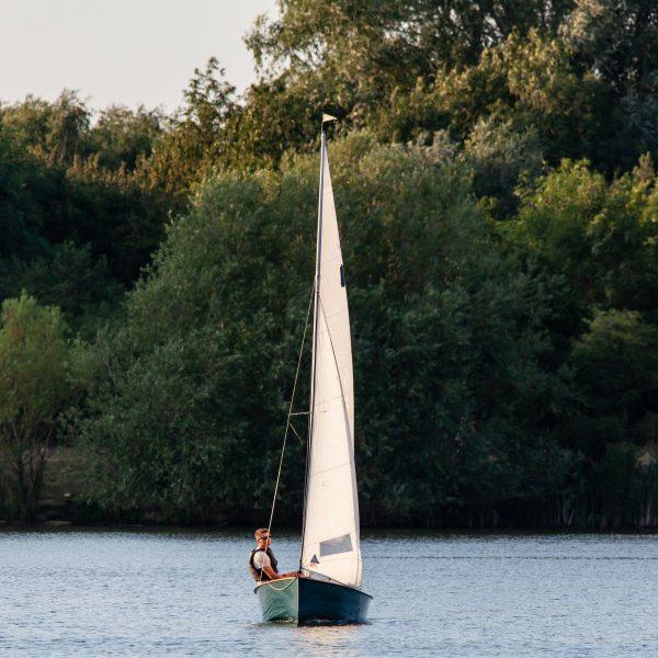 Steknite iskustvo jedrenja u malim jedrilicama