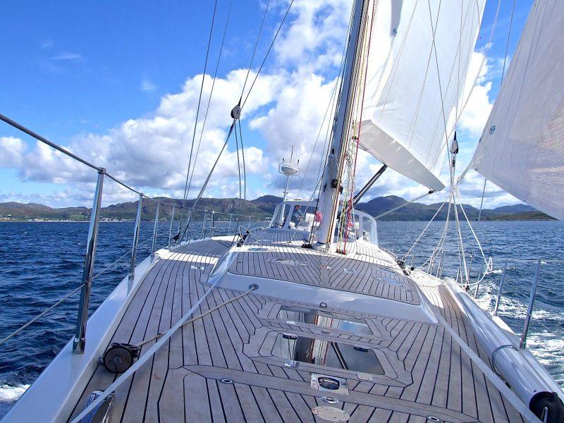 Za upravljanje plovilima potrebno je imati odgovarajuću dozvolu